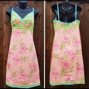 Brand New Roxy Colorful Dress with Lace Inlay L